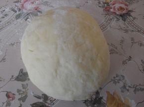 Снимка 2 от рецепта за Топки с шунка и кашкавал