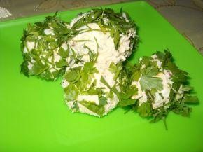 Снимка 2 от рецепта за Топки със сирене и варени яйца