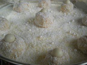 Снимка 4 от рецепта за Торта `Рафаело` с биквити
