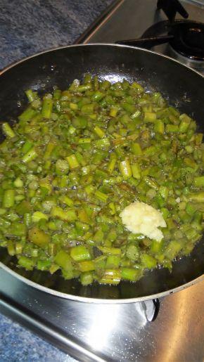 Снимка 2 от рецепта за Тортия с аспержи