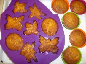 Снимка 3 от рецепта за Цветни мъфини с овесени ядки