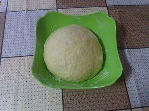 Снимка 2 от рецепта за Универсално тесто за кифлички - сладки и солени