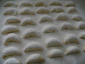 Снимка 3 от рецепта за Ванилови кравайчета