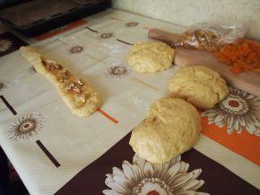 Снимка 2 от рецепта за Великденски козунак с пълнеж