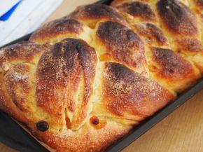 Снимка 8 от рецепта за Великденски козунак с пълнеж