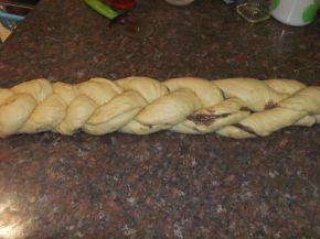 Снимка 4 от рецепта за Великденски козунак със стафиди и канела