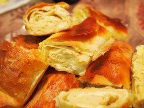 Снимка 7 от рецепта за Вита баница с мая