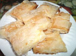 Снимка 2 от рецепта за Вкусни банички със сирене