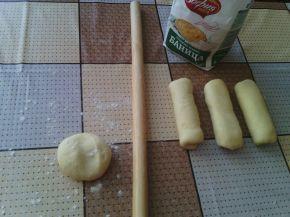 Снимка 8 от рецепта за Закуски с ким и кренвирши