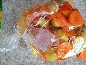 Снимка 3 от рецепта за Картофи с бекон и гъби в плик