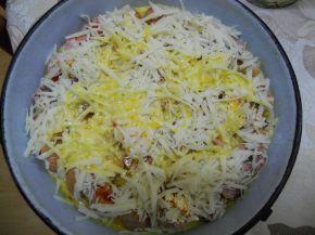 Снимка 3 от рецепта за Запечени кренвирши с кашкавал и яйца
