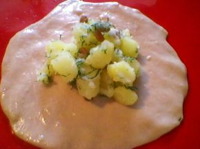 Снимка 3 от рецепта за Запечени `пелмени` с плънка от картофи, копър и слънчоглед
