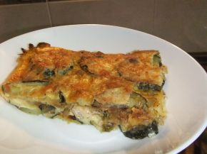 Снимка 2 от рецепта за Запеканка с тиквички и пилешко месо