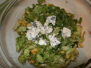 Снимка 2 от рецепта за Зелена салата със сирене