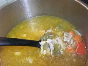 Снимка 7 от рецепта за Зеленчукова супа с обезкостено пилешко месо