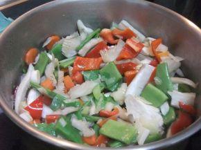 Снимка 4 от рецепта за Зеленчукова супа с обезкостено пилешко месо