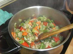 Снимка 5 от рецепта за Зеленчукова супа с обезкостено пилешко месо