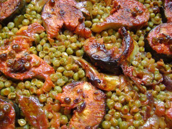 Снимка 1 от рецепта за Скумрия с грах на фурна