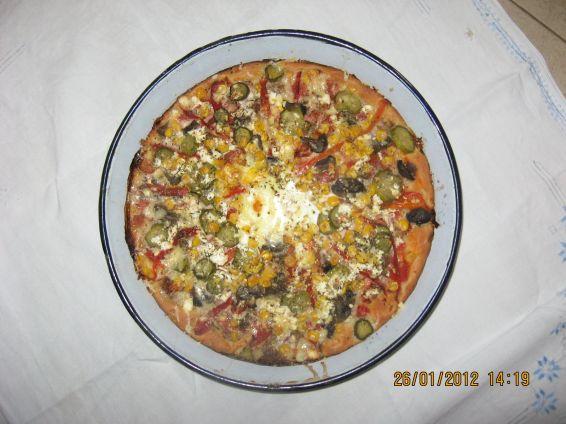 Снимка 1 от рецепта за Вкусна домашна пица