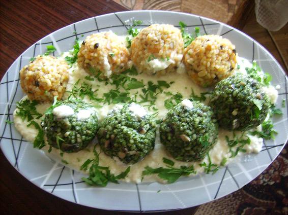 Снимка 1 от рецепта за Оризови топчета със сос