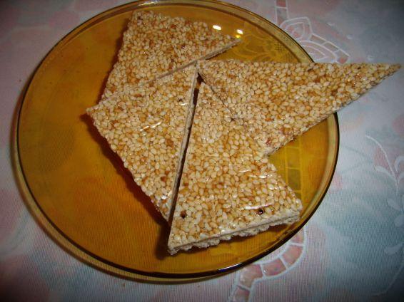 Снимка 1 от рецепта за Сусамки