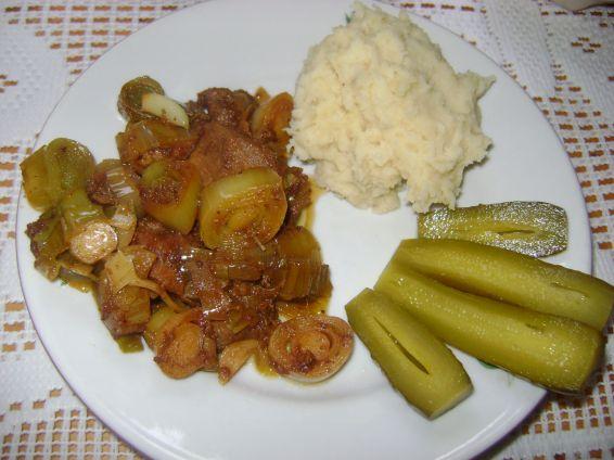 Снимка 1 от рецепта за Пържено свинско месо с праз
