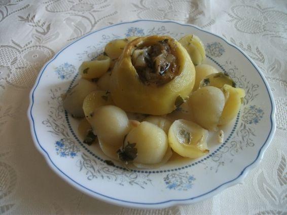 Снимка 1 от рецепта за Пълнени картофи с лук