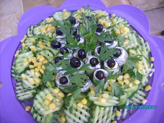 Снимка 1 от рецепта за Предястие с краставици