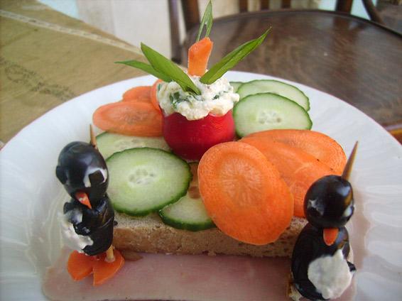 Снимка 1 от рецепта за Сандвич с пикантно масло