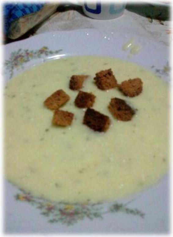 Снимка 1 от рецепта за Картофена крем супа със сирене