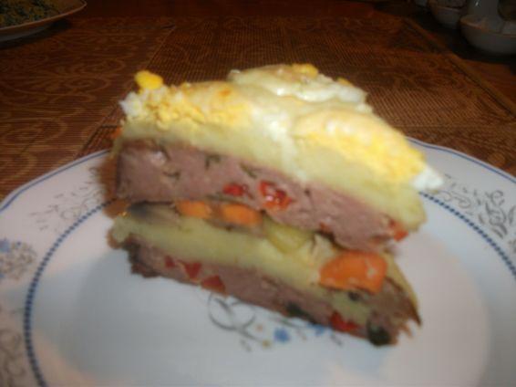 Снимка 1 от рецепта за Тортичка с блатове от кайма