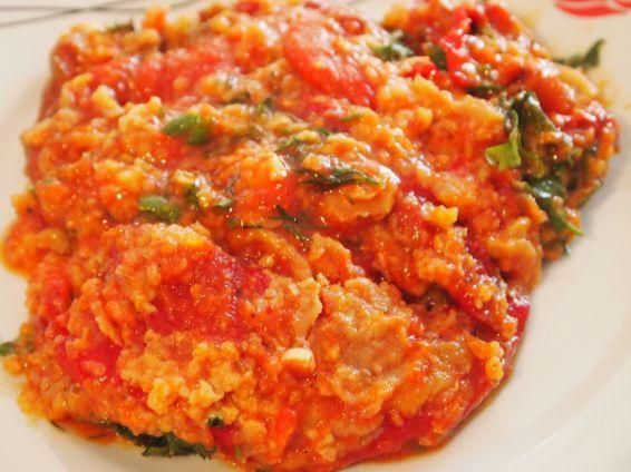 Снимка 1 от рецепта за Пролетни чушки с доматен сос