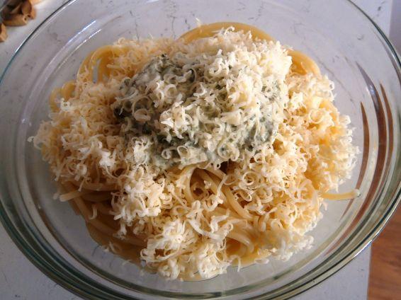 Снимка 1 от рецепта за Спагети със спанак и сметана