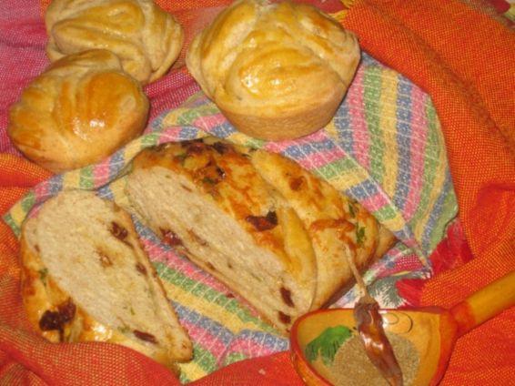 Снимка 1 от рецепта за Хлебче и мъфини със сушени чушки