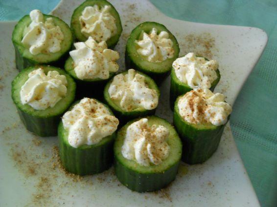 Снимка 1 от рецепта за Празнично предястие с краставици и цедено мляко