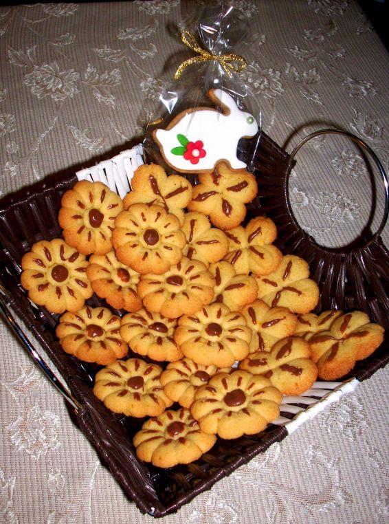 Снимка 1 от рецепта за Маслени бисквити