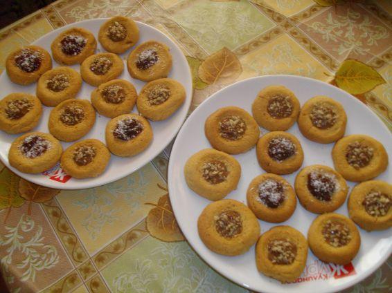 Снимка 1 от рецепта за Меденки с орехи