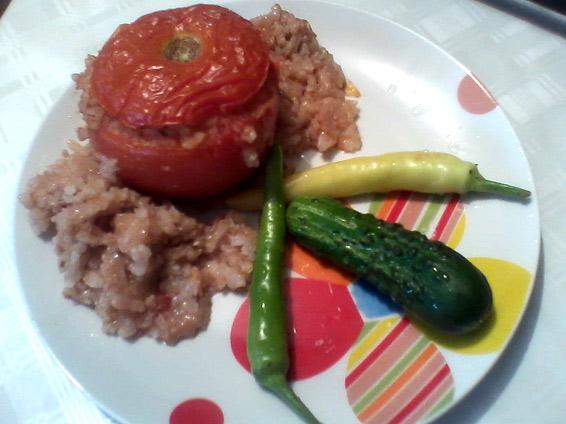 Снимка 1 от рецепта за Пълнени домати с кайма и ориз