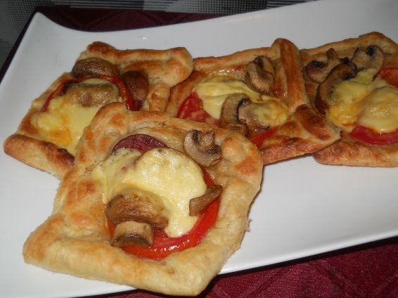 Снимка 1 от рецепта за Мини бутер-пици