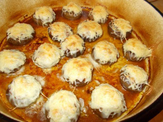 Снимка 1 от рецепта за Пълнени гъби, запечени с кашкавал