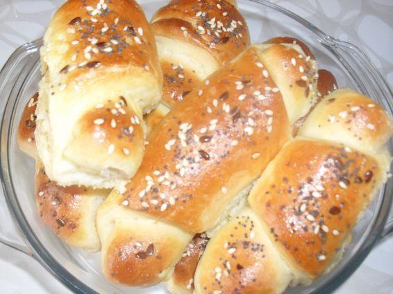 Снимка 1 от рецепта за Кифлички със сирене и сусам