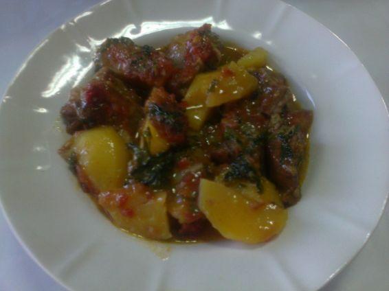 Снимка 1 от рецепта за Късчета месо със зеленчуци на фурна