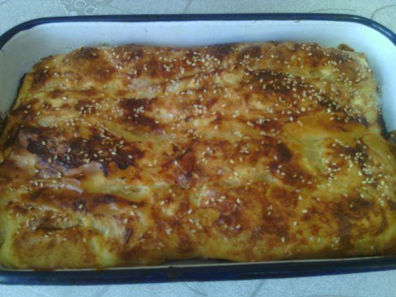 Снимка 1 от рецепта за Баница със сирене и сусам на рула