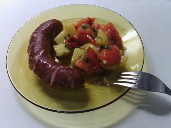 Снимка 1 от рецепта за Салата с варени картофи и домати
