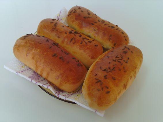 Снимка 1 от рецепта за Закуски с ким и кренвирши