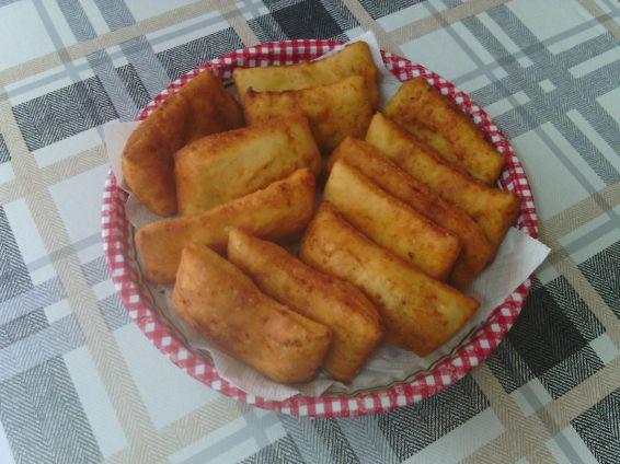 Снимка 1 от рецепта за Питки с кашкавалена извара