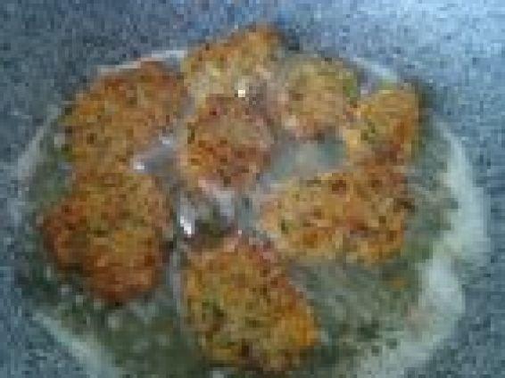 Снимка 1 от рецепта за Кюфтенца с гречка, моркови и лук