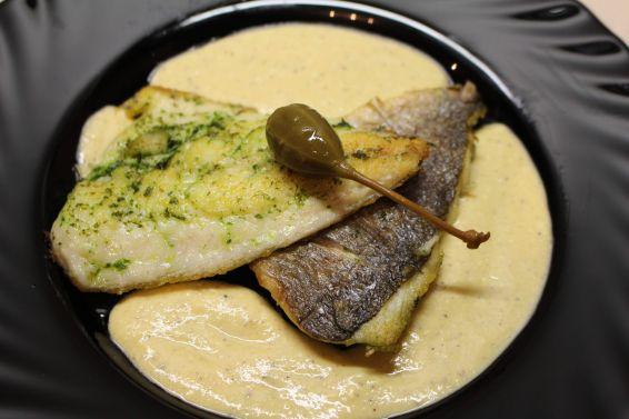Снимка 1 от рецепта за Филе от ципура с магданозено песто и горчичен сос