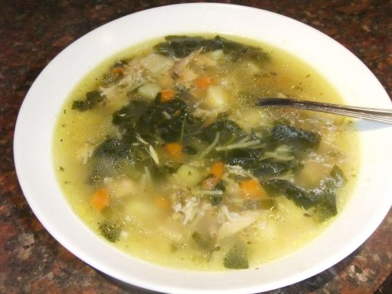 Снимка 1 от рецепта за Пилешка супа със спанак
