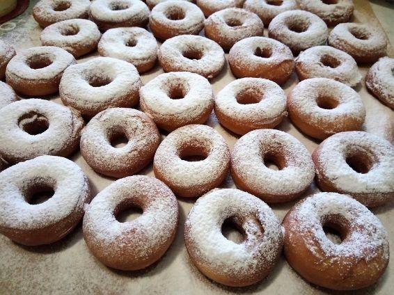 Снимка 1 от рецепта за Понички с пудра захар